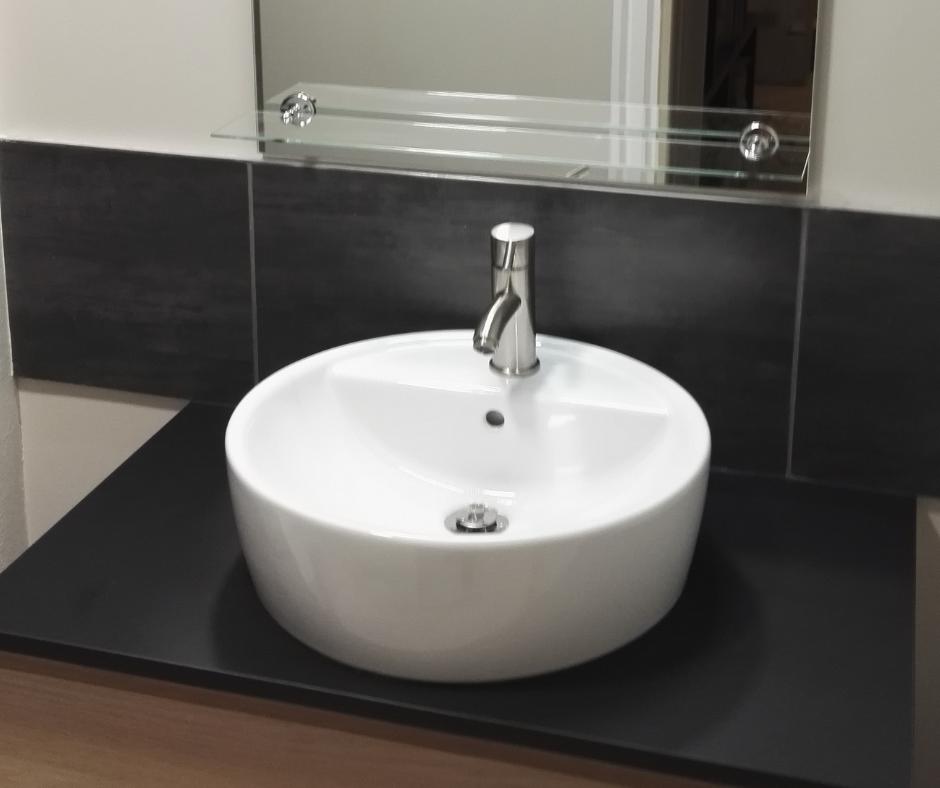 "Pose d""une vasque de salle de bain by Toochevoo"